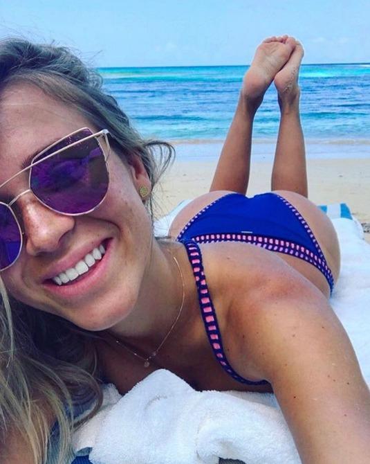 Veronika Kopřivová si užívá na Jamajce.