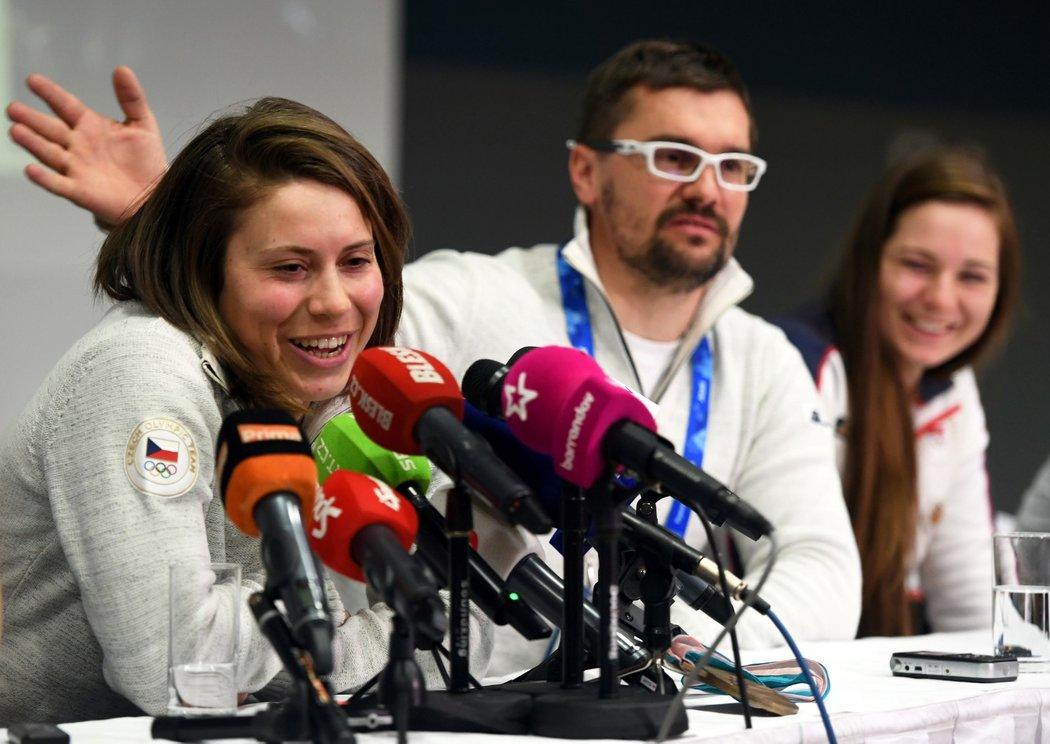 Eva Samková s trenérem Markem Jelínkem