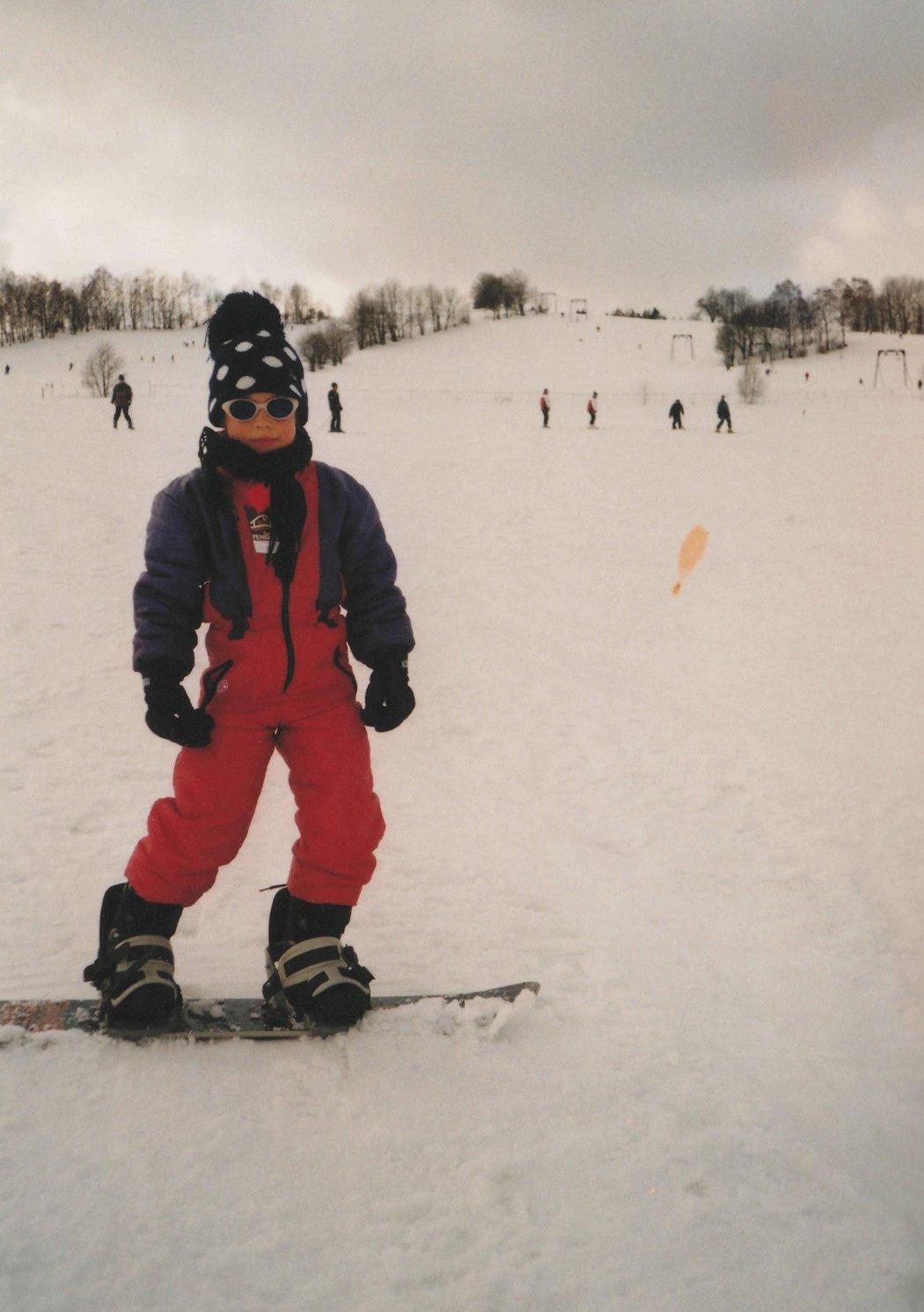 Eva jako začínající snowboardistka