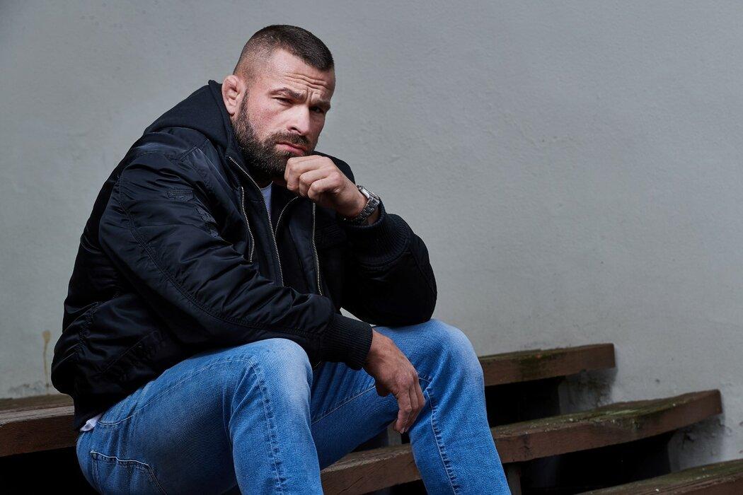 Český MMA bojovník Karlos Vémola