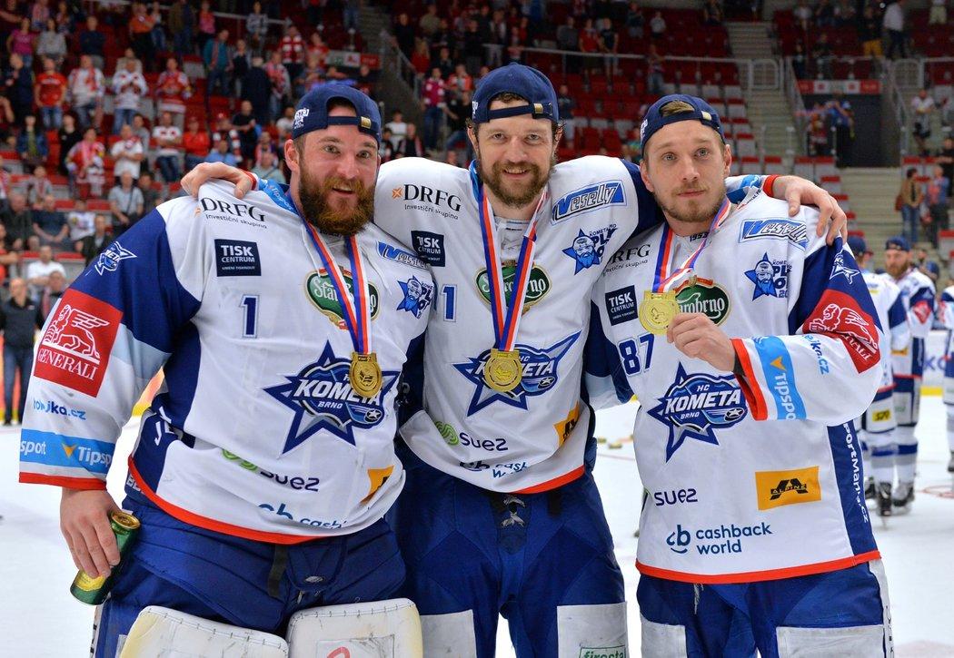 Hokejisté Komety slaví mistrovský titul po čtvrtém finálovém triumfu v Třinci
