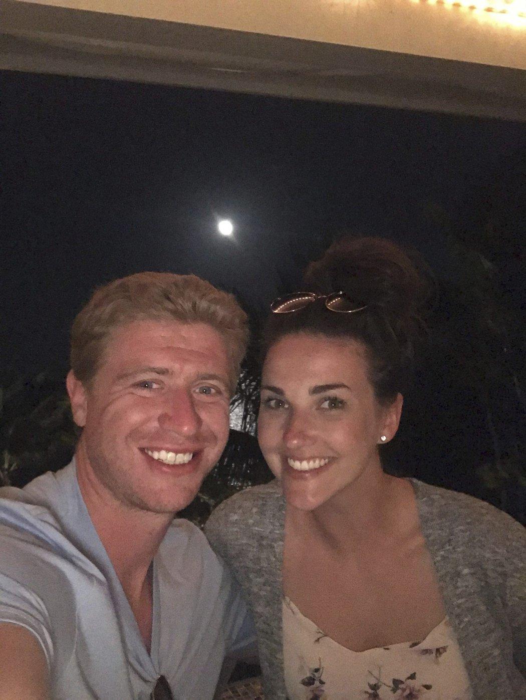 Jakub se na Facebooku pochlubil fotkou s Markétou.