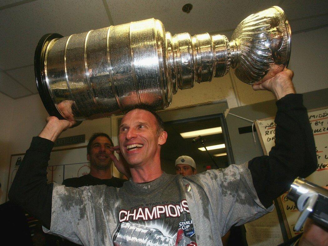 Dominik Hašek vyhrál Stanley Cup dvakrát, naposledy s Detroitem v roce 2008