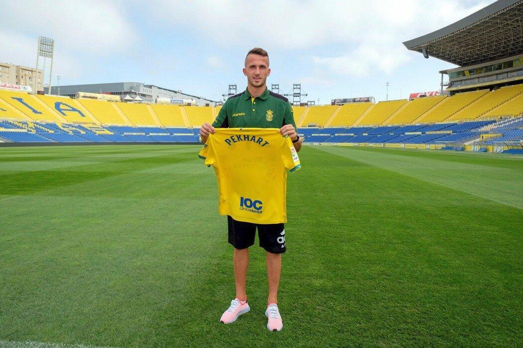Český útočník Tomáš Pekhart se stal hráčem španělského Las Palmas