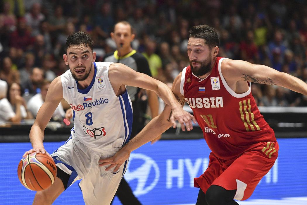 Basketbalová reprezentace v čele s Tomášem Satoranským postoupí na MS ze základní skupiny.