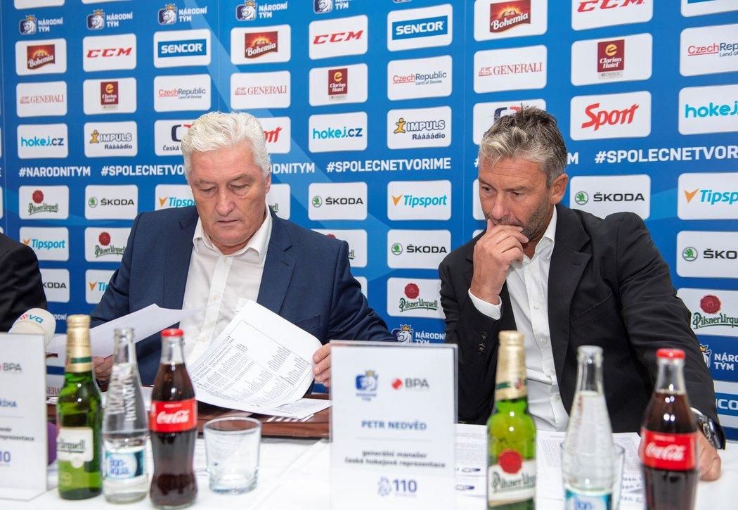 Nový hlavní trenér české reprezentace Miloš Říha konzultoval první nominaci i s generálním manažerem Petrem Nedvědem