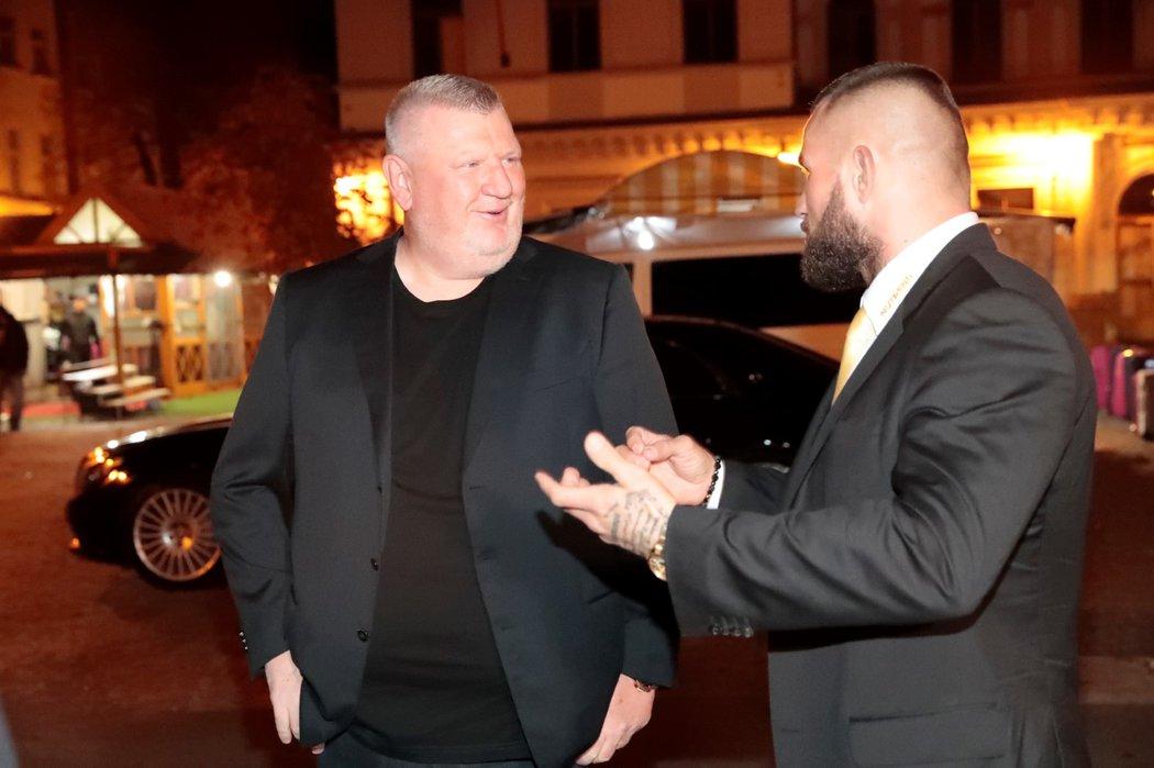Podnikatel Ivo Rittig s MMA zápasníkem Karlosem Vémolou