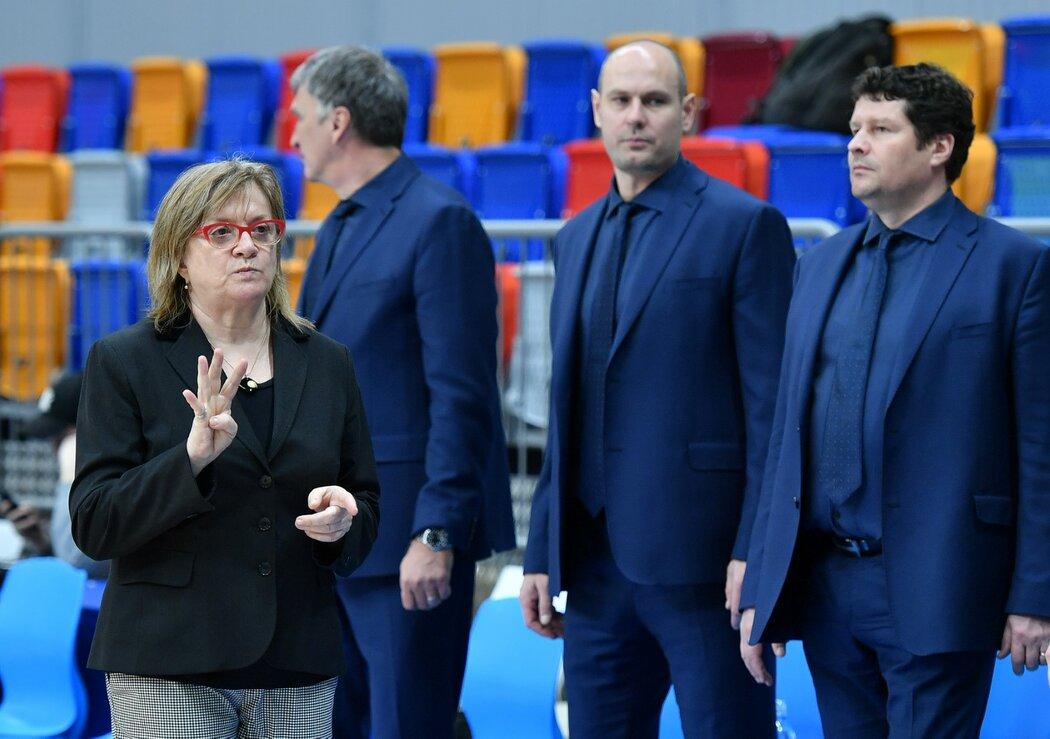 Ocenění se den před startem šampionátu v Číně dočkala i slovenská trenérka žen USK Praha Natália Hejková.