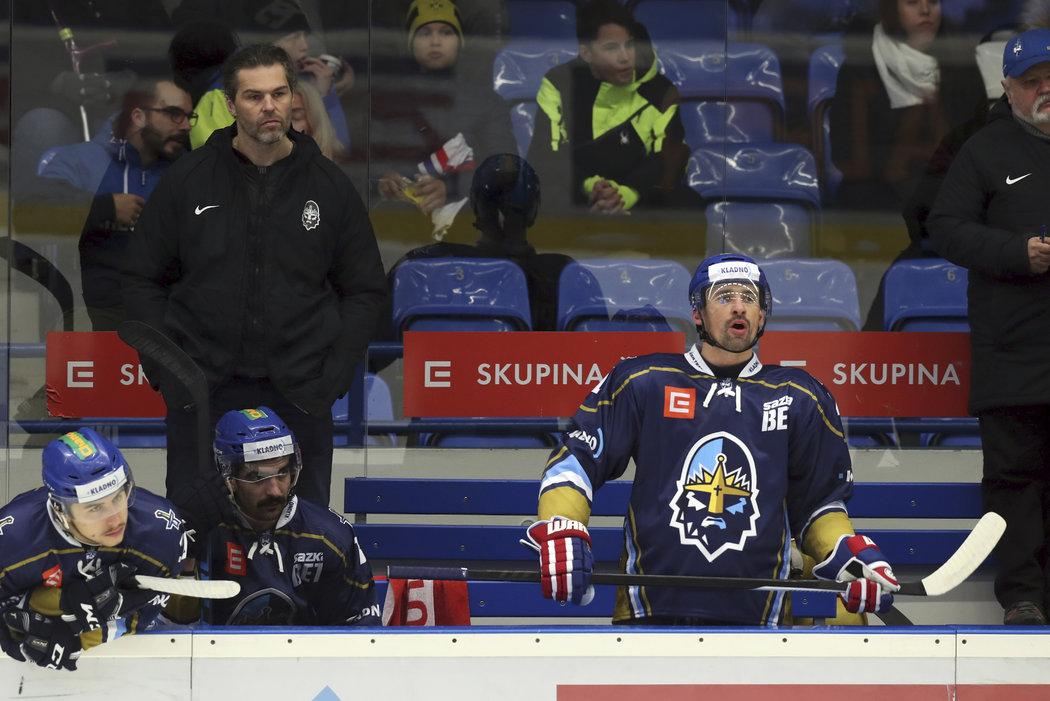 Tomáš Plekanec s Jaromírem Jágrem na střídačce Kladna