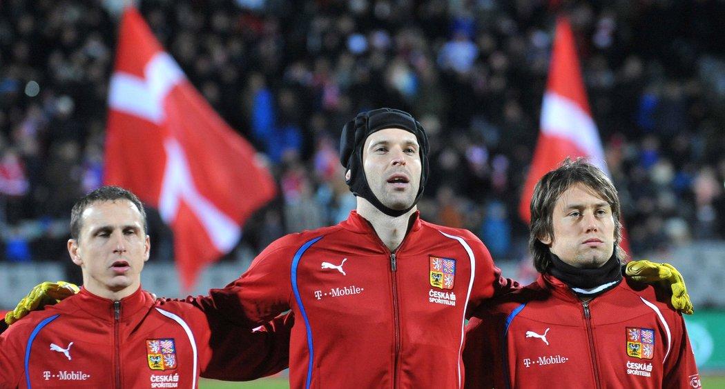 Zbyněk Pospěch, Petr Čech a Tomáš Rosický před přípravným zápasem české reprezentace proti Dánsku v listopadu 2010