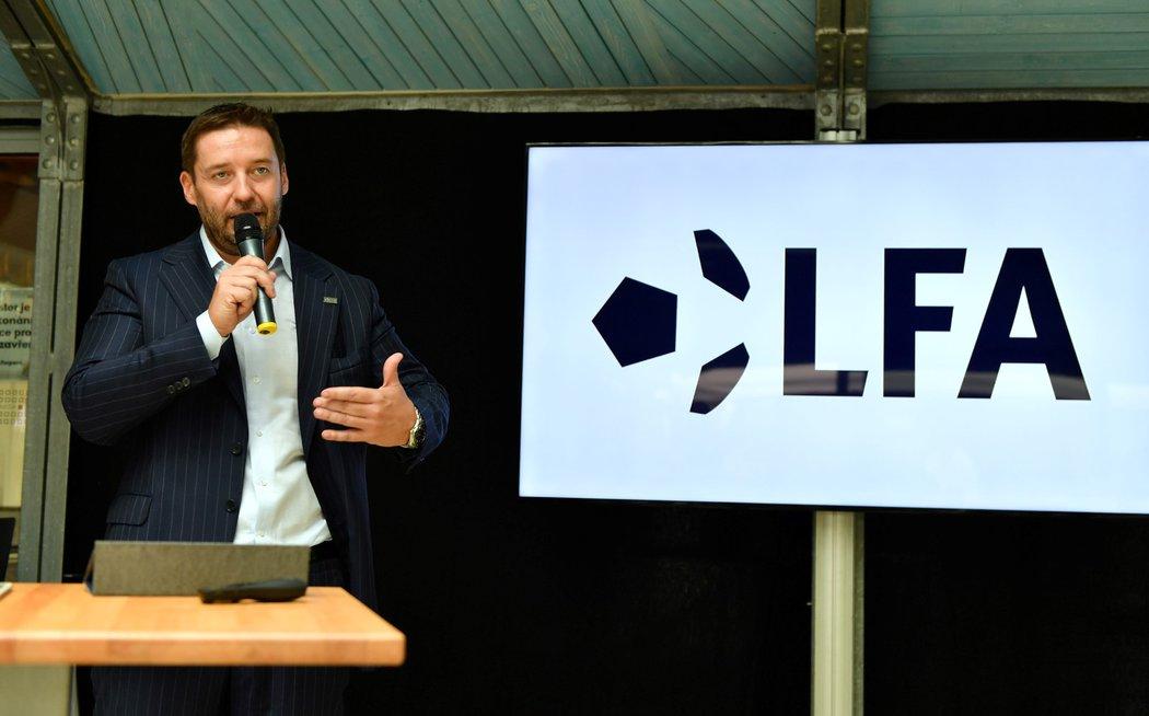 Pod vedením předsedy LFA Dušana Svobody se nejvyšší soutěž dočkala významných novinek: videa už na třech zápasech kola a převratného herního modelu