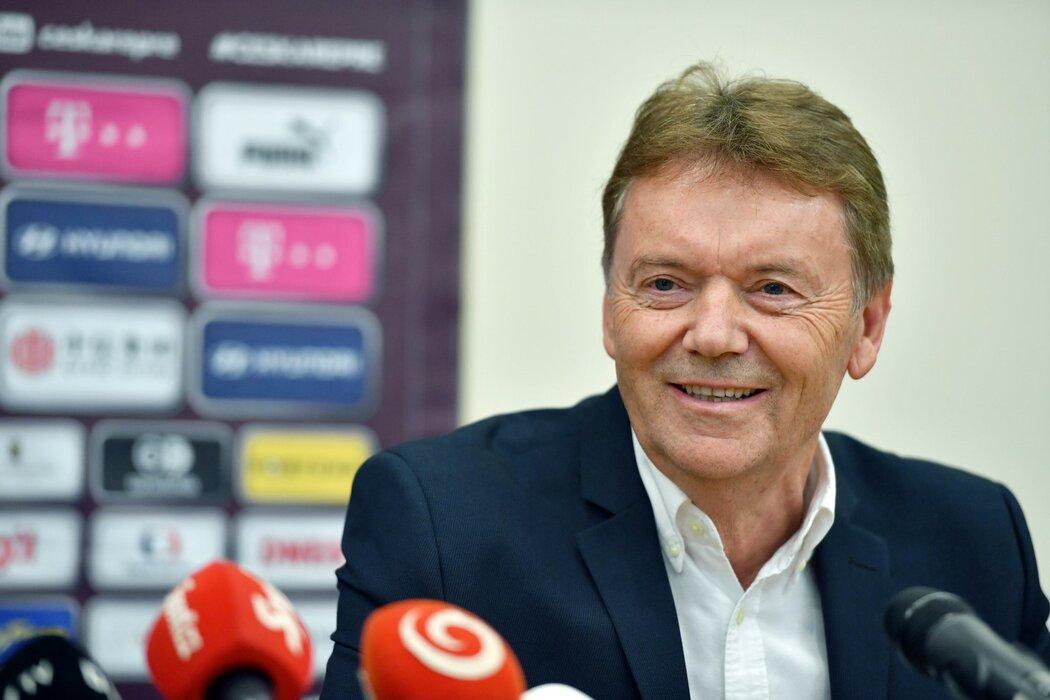 Roman Berbr, muž s mimořádným egem, touhou po moci a arzenálem arogantních výroků opět ovládl žebříček deníku Sport nejmocnějších lidí v českém fotbale