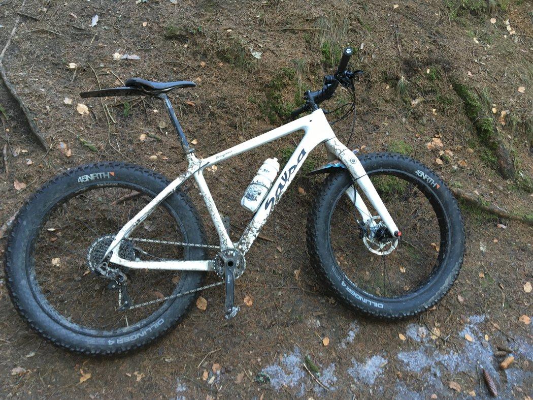fatbike - horské kolo s extrémně širokými plášti