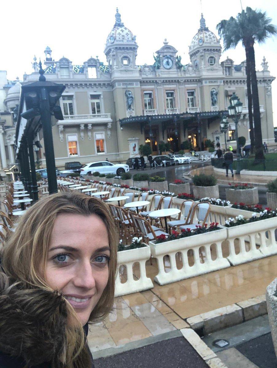 Petra Kvitová zdraví fanoušky z Monaka