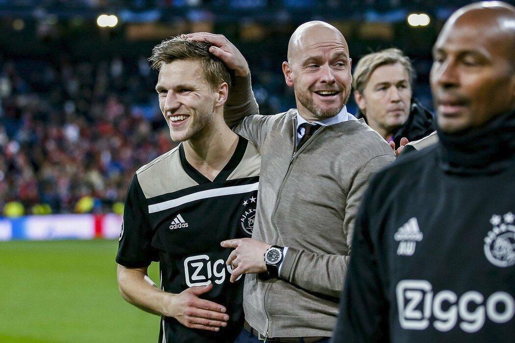 Erik Ten Hag může s Ajaxem slavit velkou výhru nad Realem a postup