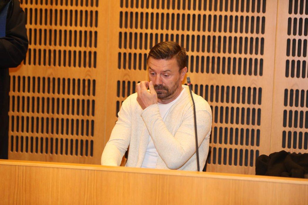 Tomáš Řepka u soudu s Renatou Řepkovou kvůli neplacení alimentů na děti z prvního manželství.