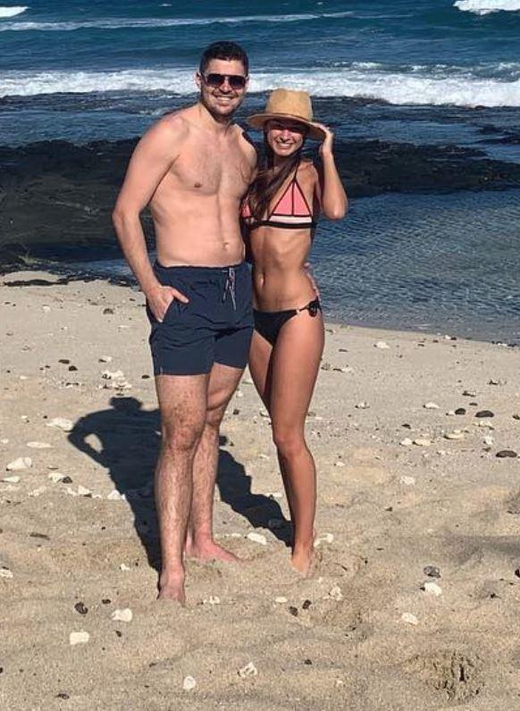 Tomáš Hertl se svojí krásnou snoubenkou Anetou