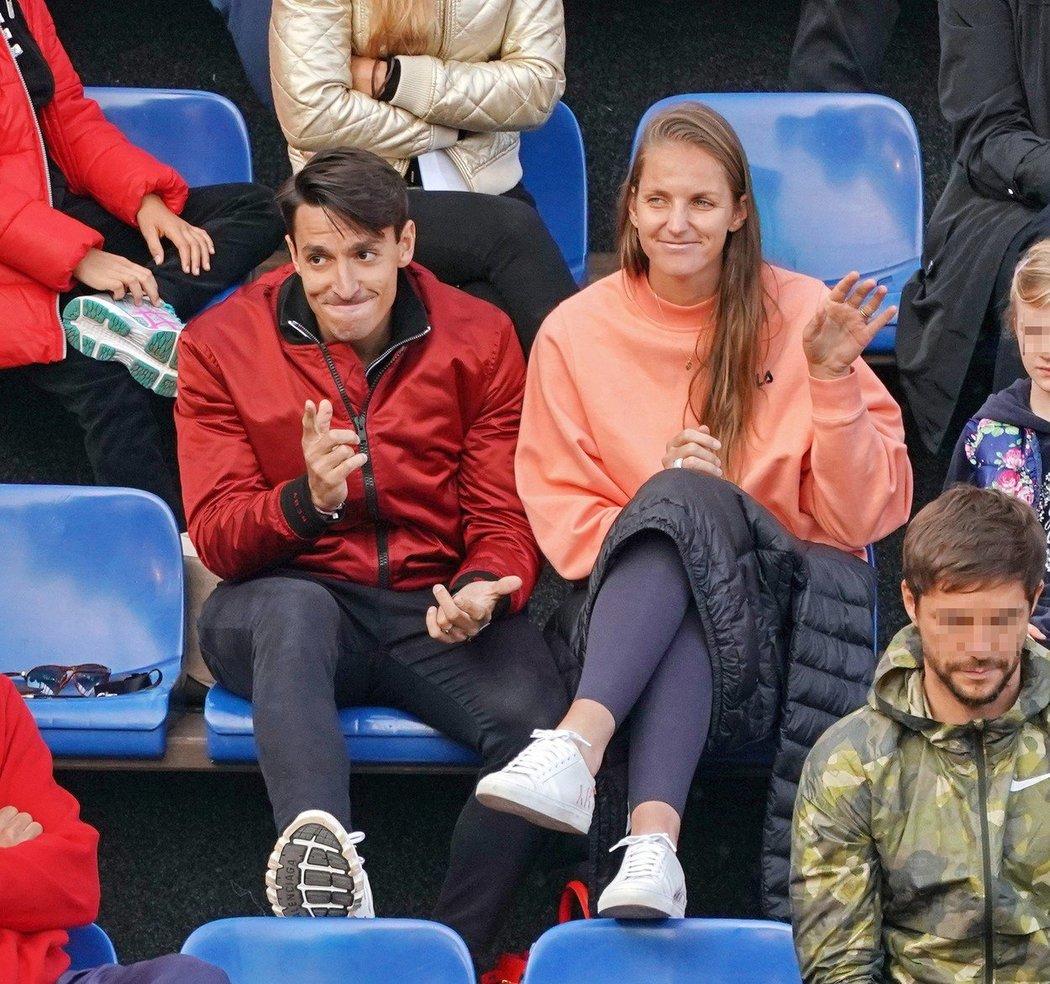 Michal Hrdlička s manželkou Karolínou Plíškovou na turnaji ve Stromovce