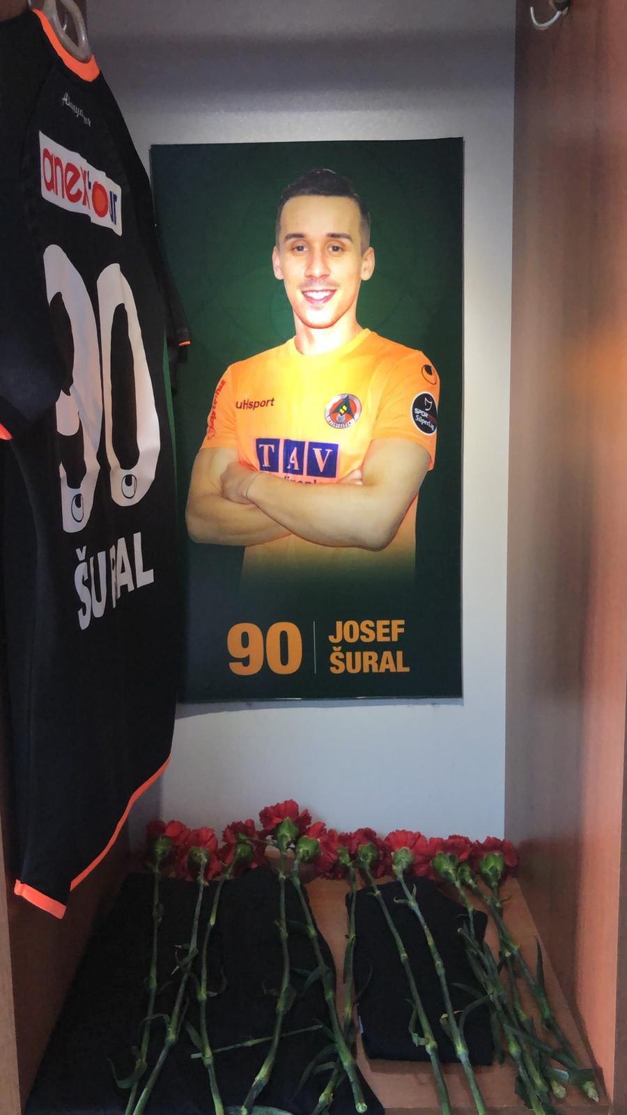 Turecký Alanyaspor uctil památku padlého kamaráda Josefa Šurala