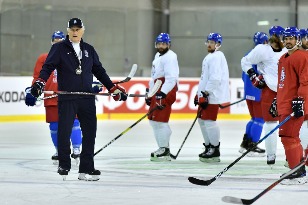 První trénink české hokejové reprezentace před startem MS na Slovensku