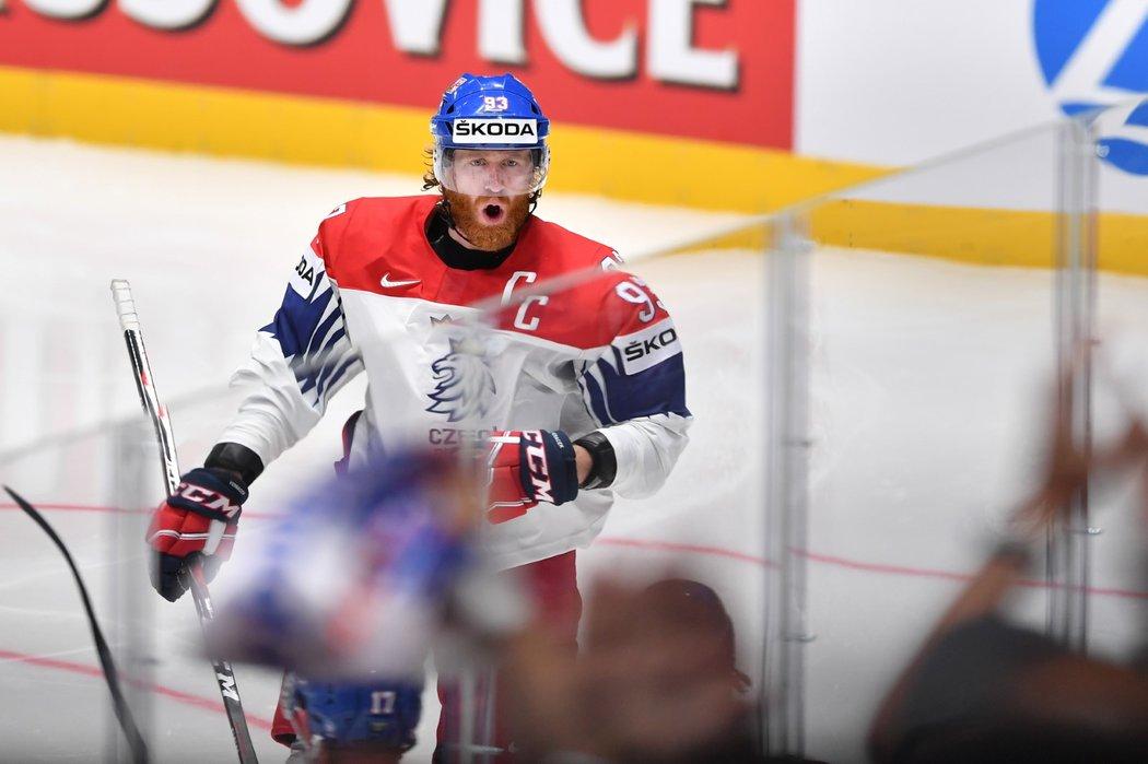 Jakub Voráček se raduje z třetího gólu národního týmu proti Švédsku