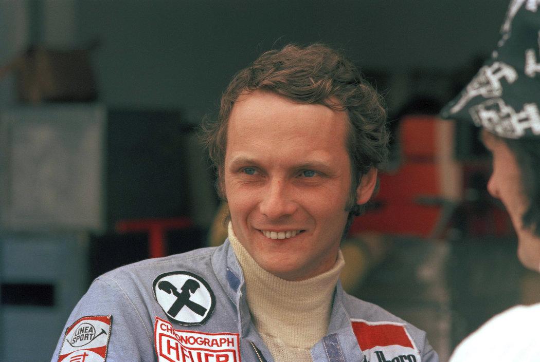 Ve věku 70 let v pondělí zemřel trojnásobný mistr světa formule 1 Niki Lauda.