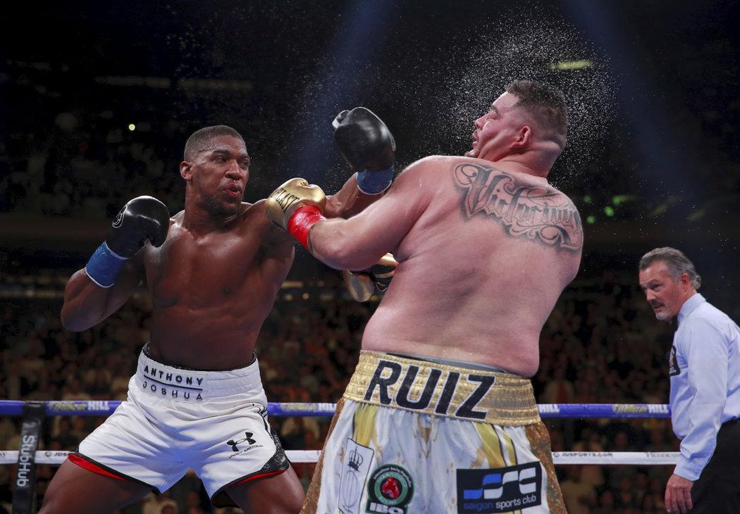 I Joshua uštědřil Ruizovi tvrdé rány