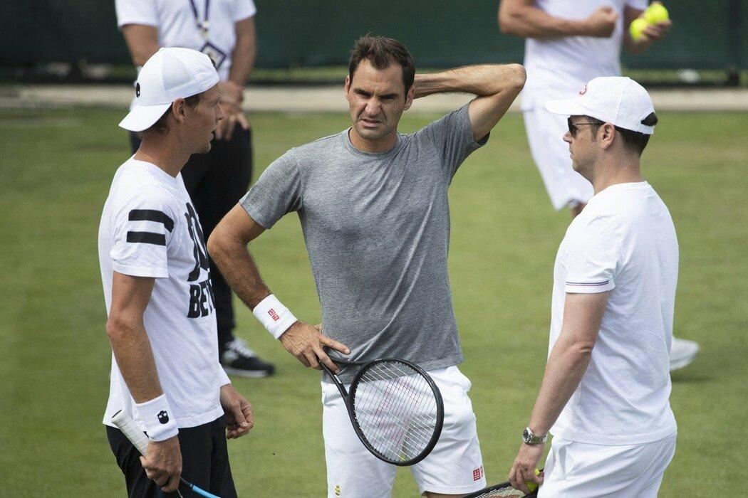 Český tenista Tomáš Berdych si před Wimbledonem zatrénoval s legendárním Rogerem Federerem