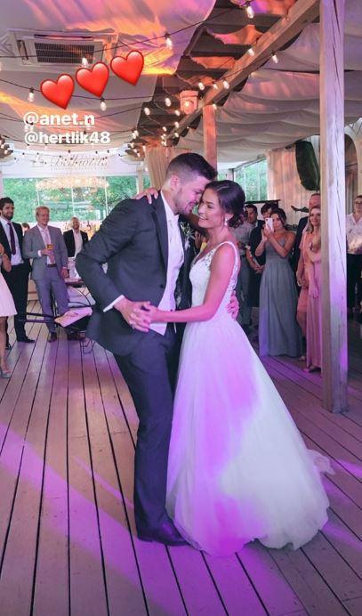 Tanec novomanželů si Tomáše s Anet užili