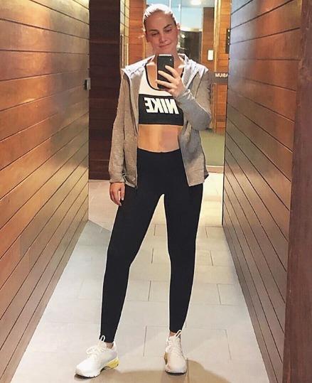 Jelena Dokičová ráda motivuje další lidi k aktivnímu životnímu stylu...