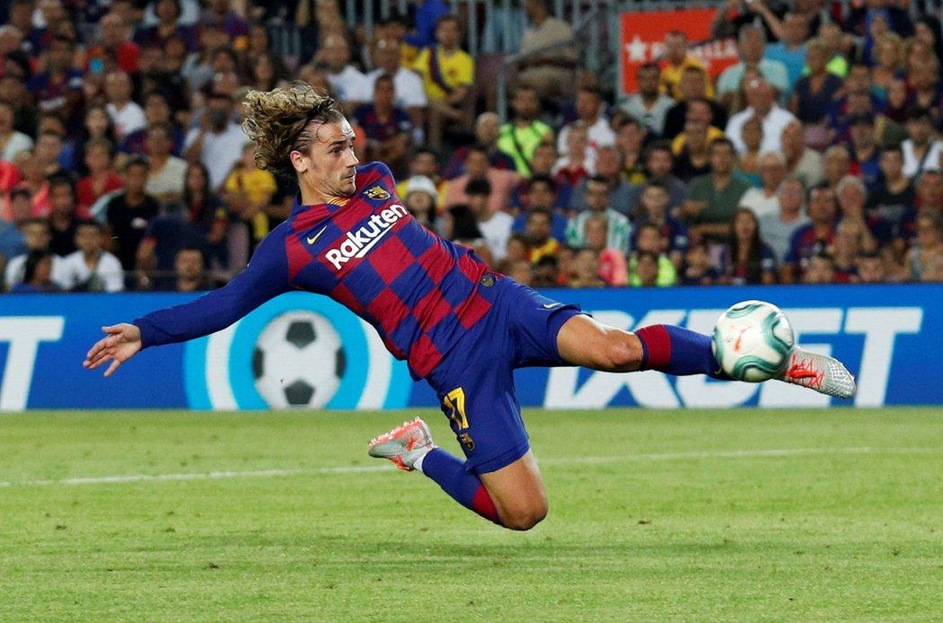 Antoine Griezmann vstřelil proti Betisu Sevilla své první dva góly v La Lize v dresu Barcelony