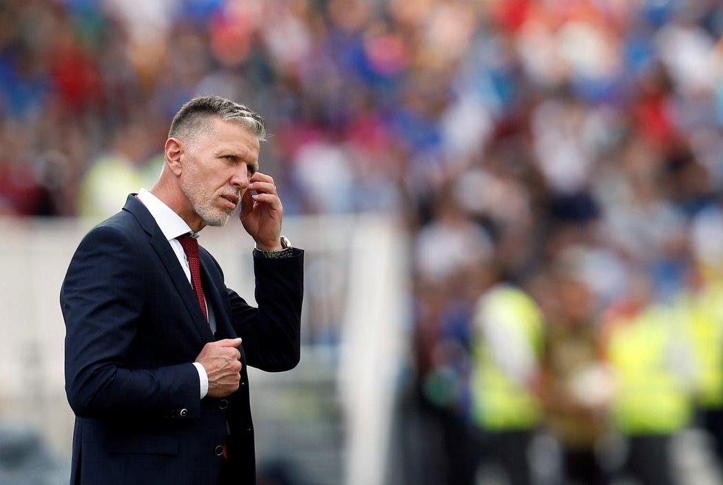 Trenér české fotbalové reprezentace Jaroslav Šilhavý během zápasu v Kosovu
