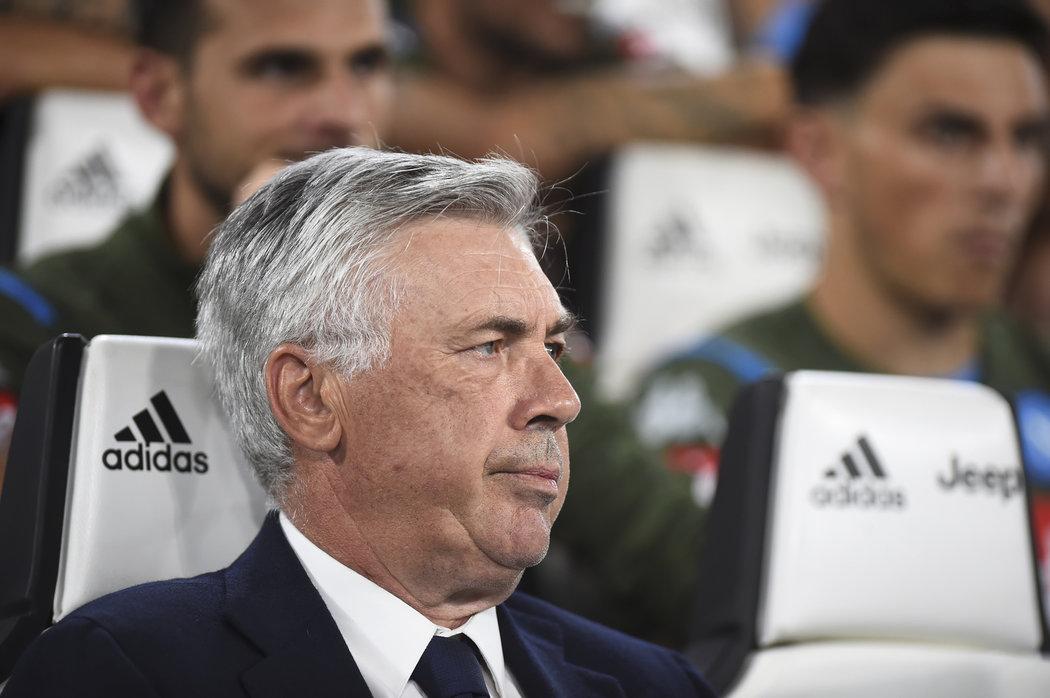Carlo Ancelotii není spokojený s aktuálním stavem stadionu