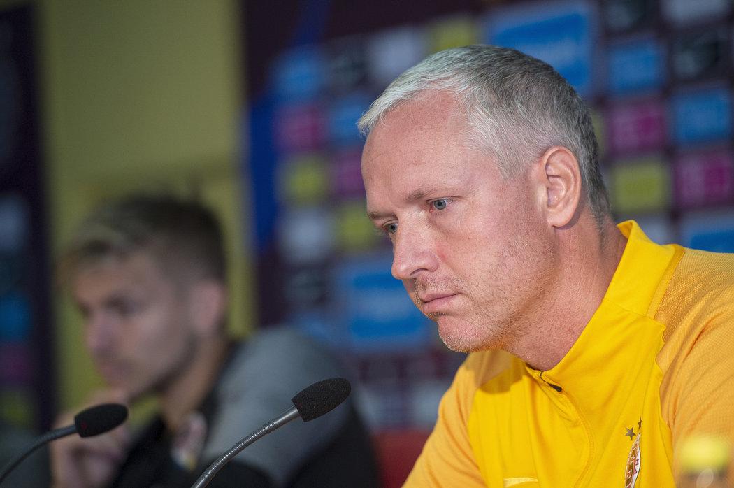 """Kouč Sparty Václav Jílek na tiskové konferenci před nedělním derby pražských """"S"""""""
