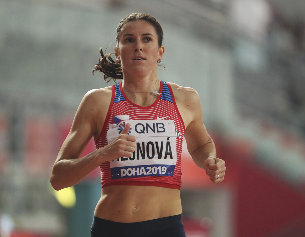 Hejnová dokázala do finále 400 metrů překážek na mistrovství světa postoupit popáté za sebou