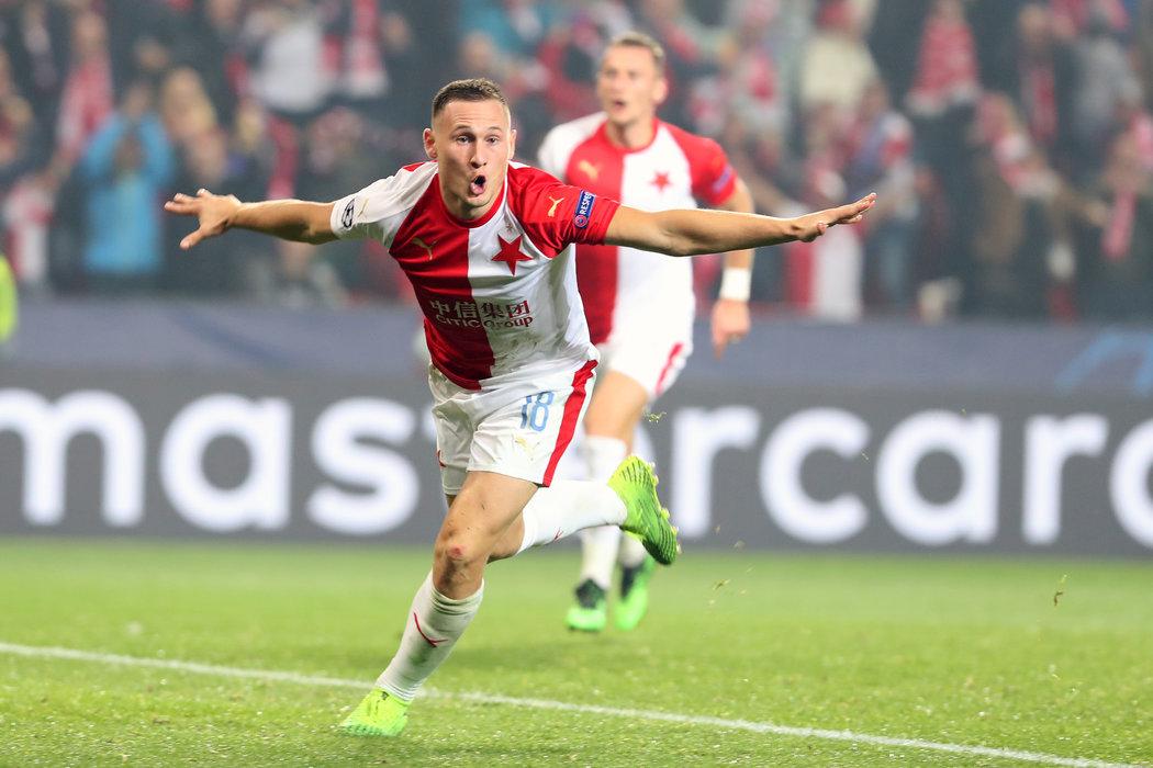Jan Bořil a jeho euforie po vstřelení gólu Barceloně