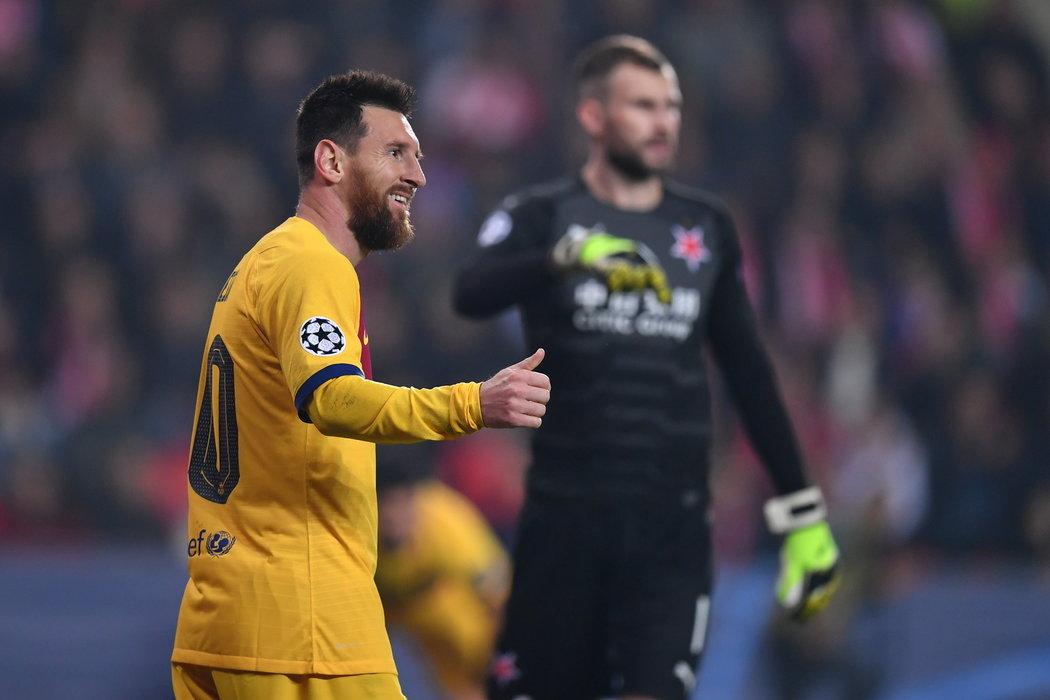 Lionel Messi před Ondřejem Kolářem