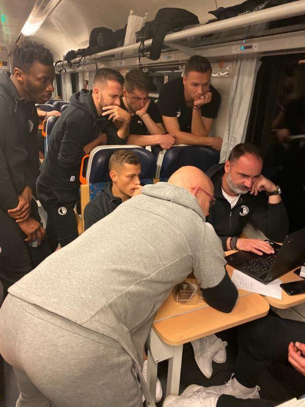 Nepovedený pohárový zápas si slávisté rozebírali už ve vlaku z Ostravy