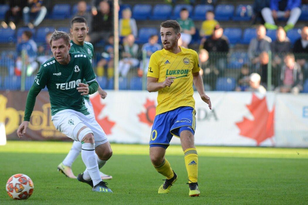 Dominik Mašek (vpravo) má po sezoně, přetrhl si zkřížený vaz