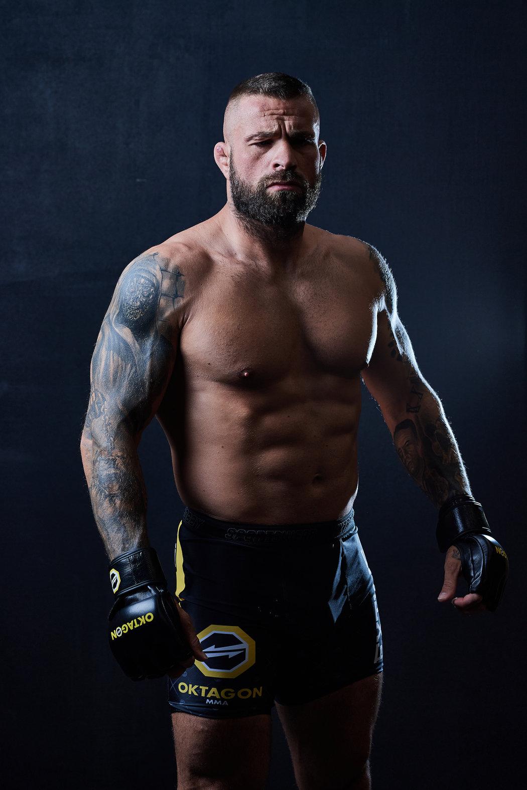 Karlos Vémola, česká hvězda MMA