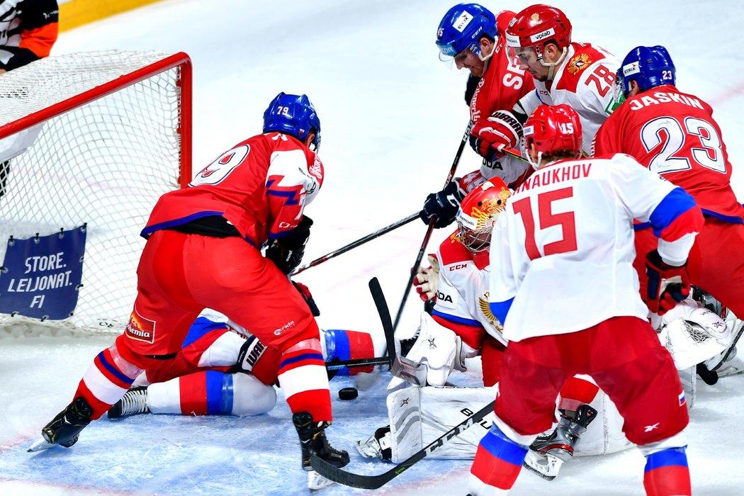 Po dlouhém zkoumání došli rozhodčí k závěru, že při šanci na snímku čeští hokejisté překonali ruskou obranu. Za autora gólu byl označen Lukáš Sedlák