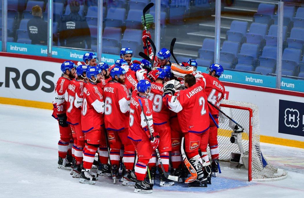 Česká hokejová reprezentace slaví ovládnutí Karjala Cupu 2019