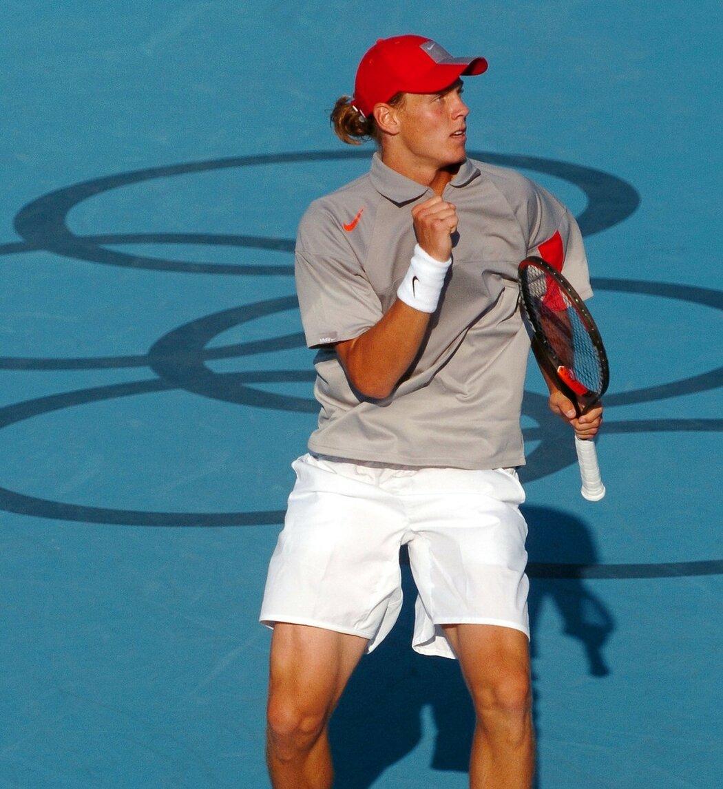 Kdo je ten kluk s culíkem? Tomáš Berdych na olympiádě 2004 vyřadil Rogera Federera