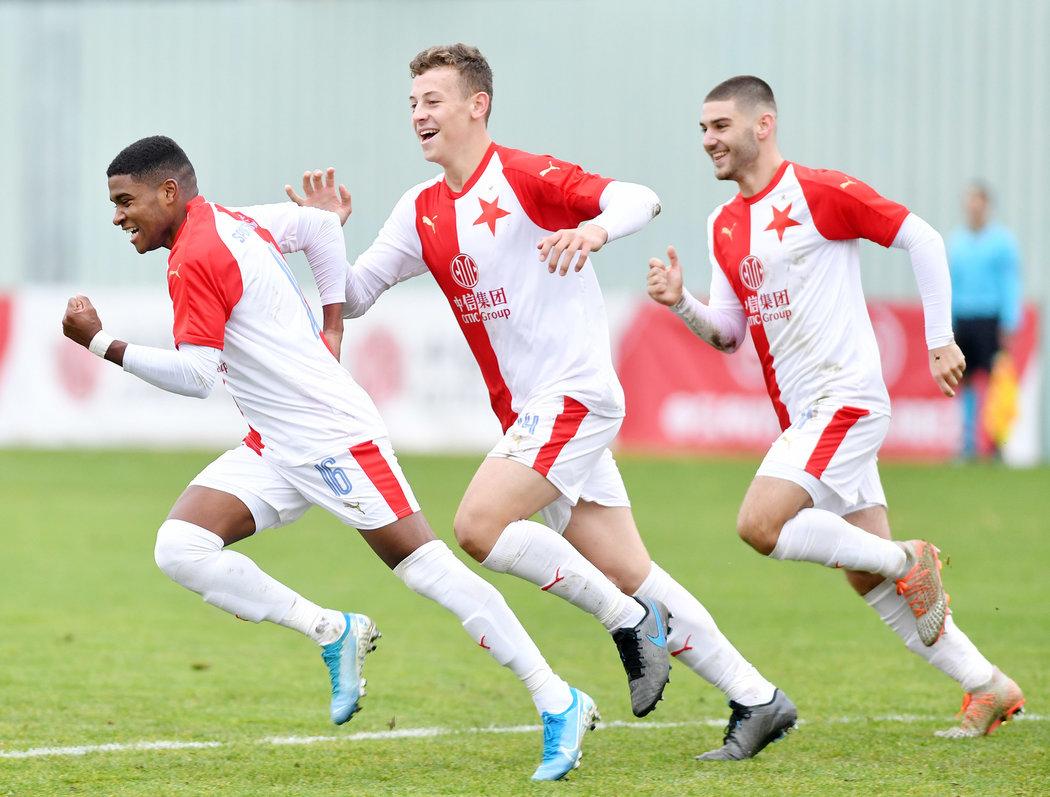 Slavia musela uzavřít celou mládežnickou akademii