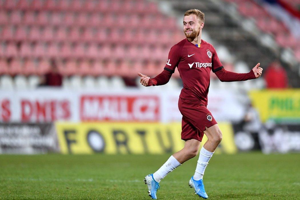 Martin Hašek se raduje z gólu, který však rozhodčí následně zrušil