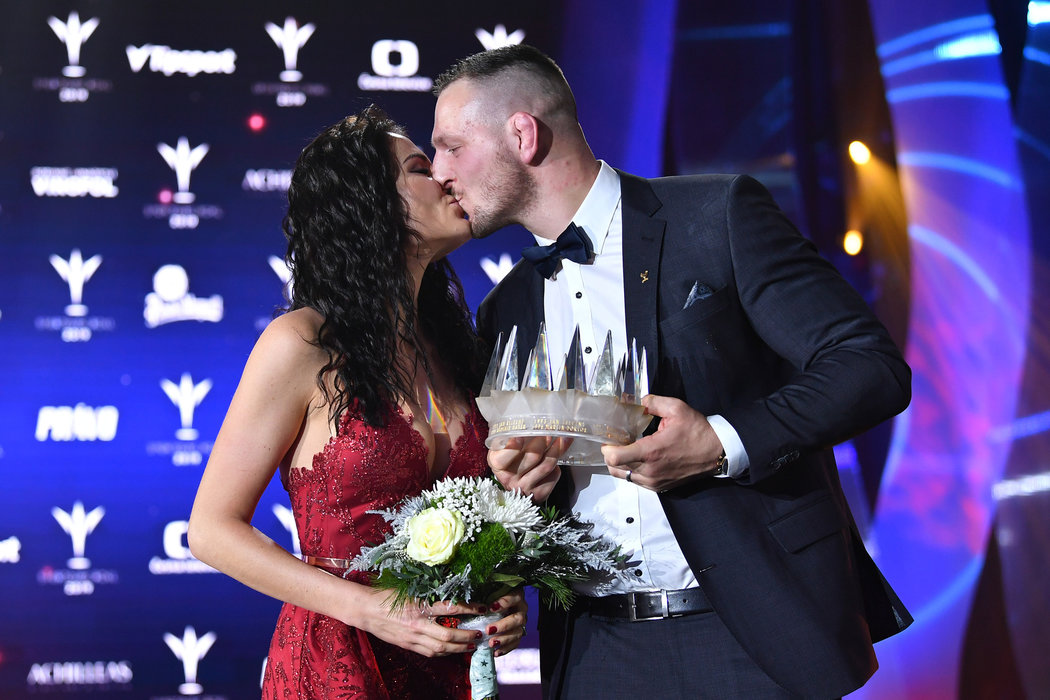 Lukáš Krpálek s krásnou manželkou Evou