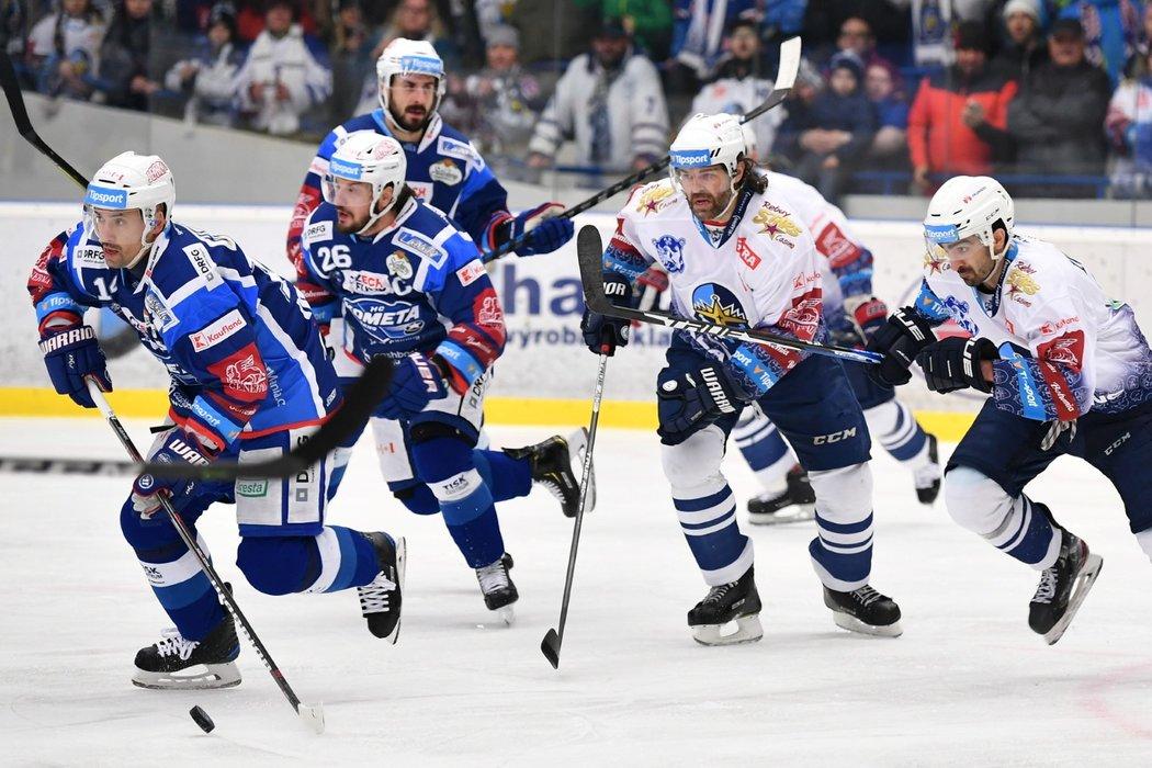 V druhém sezonním souboji Kladna s Kometou nechyběl Jaromír Jágr ani Tomáš Plekanec