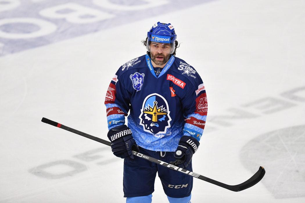 Jaromír Jágr během utkání na ledě Mladé Boleslavi.