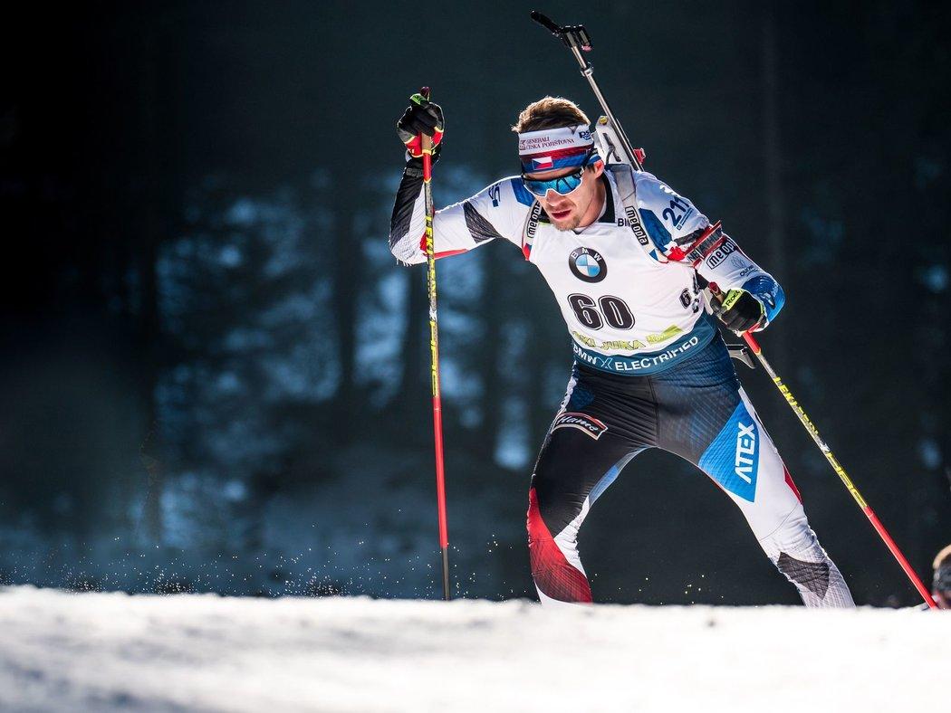 Adam Václavík si při vytrvalostním závodu ve slovinské Pokljuce neodpustil pět chyb