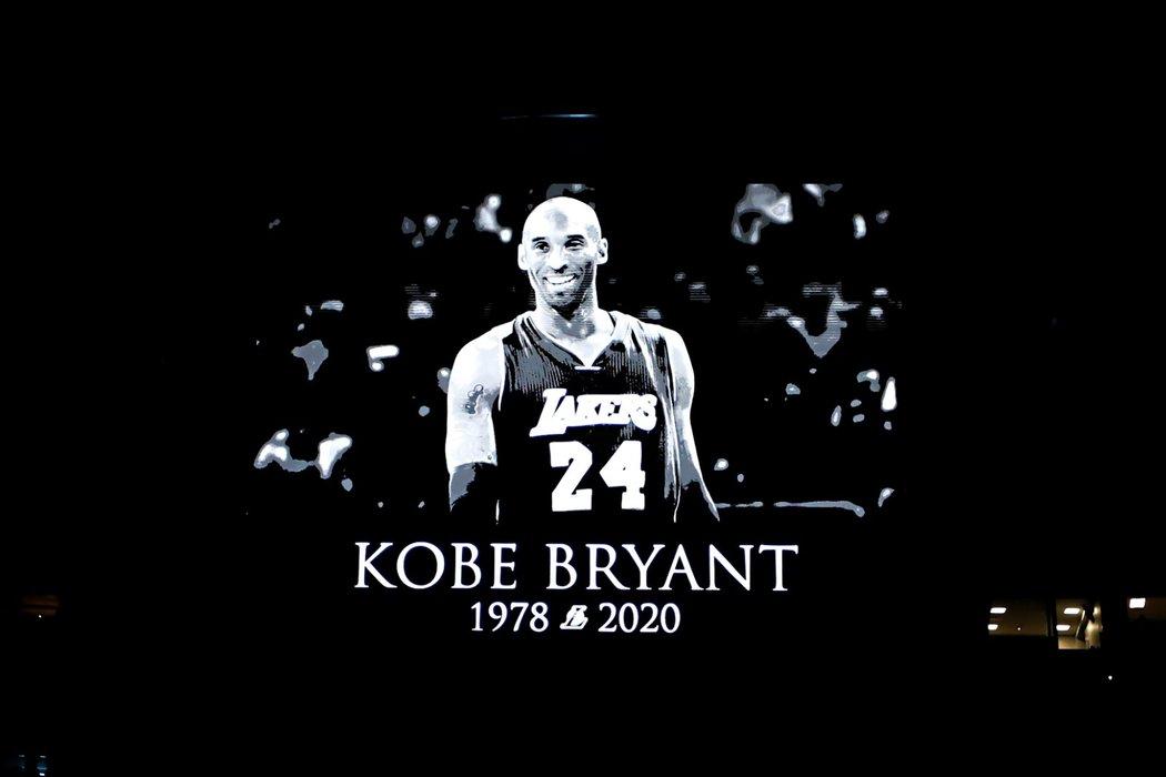 Památku Kobeho Bryanta uctili rovněž v Orlandu, kde hrálo Los Angeles